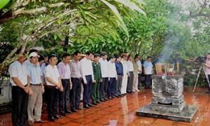 Bộ Tài chính dâng hương tưởng niệm Anh hùng Liệt sỹ Phạm Văn Khang và đồng đội tại Tuyên Quang