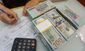 Áp lực với tiền đồng khi Trung Quốc liên tục phá giá nhân dân tệ