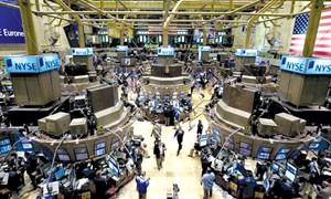 Chứng khoán Mỹ giảm mạnh, giới nhà giàu hoang mang
