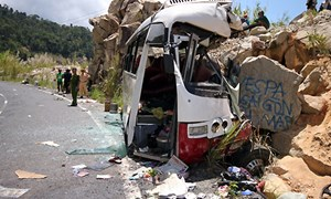 Bảo hiểm Bảo Việt tạm ứng trên 100 triệu đồng chi trả bảo hiểm cho vụ tai nạn giao thông nghiêm trọng tại Khánh Hòa