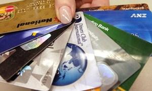 Phát hành thẻ tín dụng ồ ạt, nguy cơ của nợ xấu!