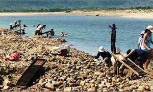 Buông lỏng quản lý khai thác khoáng sản ở Phú Yên