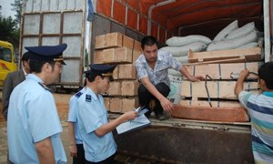 Hải quan Lạng Sơn: Vận động người dân không tiếp tay các hành vi buôn lậu