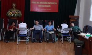 Cán bộ, công chức Kho bạc Nhà nước tham gia hiến máu tình nguyện