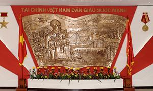 Truyền thống 76 năm vẻ vang và hào hùng của ngành Tài chính Việt Nam