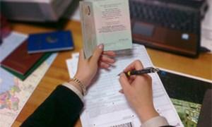Triển khai thu phí thị thực nhập cảnh qua Bưu điện