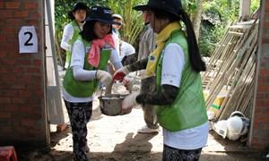 Standard Chartered tăng cường hỗ trợ cộng đồng tại Việt Nam