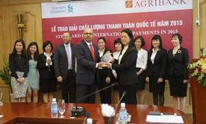 Agribank nhận giải thưởng Chất lượng thanh toán quốc tế năm 2015 từ Standard Chartered Bank