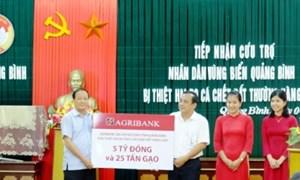 Quảng Bình tiếp nhận cứu trợ ngư dân từ Agribank Quảng Bình
