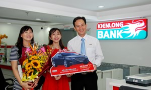 Kienlongbank trao thưởng xe ô tô Mazda 6 và 50 giải thưởng cho khách hàng gửi tiết kiệm