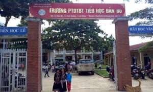 Hạt gạo Chính phủ tiếp sức cho học sinh nghèo Lai Châu tới trường