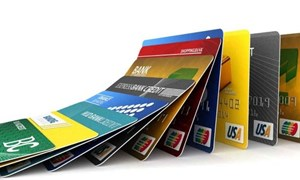 Sử dụng thẻ thanh toán và tiền điện tử tại Việt Nam: Thực trạng và giải pháp