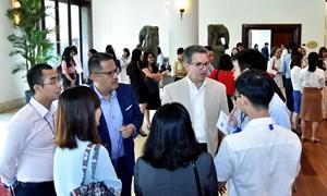 Đại diện các nước khảo sát các địa điểm tổ chức Tuần lễ cấp cao APEC 2017