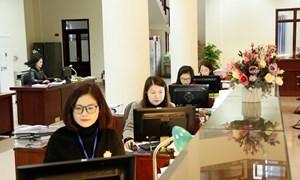 """""""Phủ sóng"""" dịch vụ công trực tuyến: Vắng bóng khách hàng tại kho bạc những ngày cuối năm"""