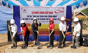 Prudential hỗ trợ xây dựng nhà an toàn cho người dân vùng bão lũ tại Nghệ An
