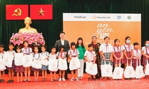 Trao tặng 1.000 phần quà cho trẻ em bị ảnh hưởng bởi dịch Covid-19