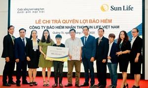 Chi trả quyền lợi bảo hiểm gần 490 triệu đồng cho khách hàng tại Quảng Trị