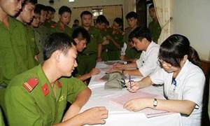 Mức đóng BHYT đối với thân nhân của chiến sỹ đang công tác trong công an nhân dân thực hiện thế nào?