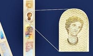 Đầu năm 2013, châu Âu phát hành giấy bạc euro mới