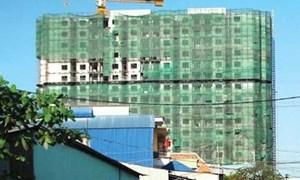 """""""Bán tháo"""" bất động sản: Có nên mua căn hộ xây thô?"""