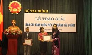 Bộ Tài chính tổ chức trao giải báo chí toàn quốc viết về ngành Tài chính