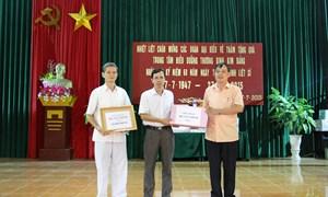 Công đoàn Bộ Tài chính thăm và tặng quà tại Hưng Yên và Hà Nam