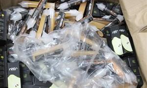 Phát hiện gần 350 kg tinh dầu thuốc lá điện tử nhập khẩu không phép
