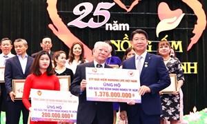 """Tổng Giám đốc Hanwha Life Việt Nam nhận """"Huy hiệu TP. Hồ Chí Minh"""""""