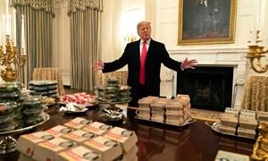 [Video] Đam mê đồ ăn nhanh khiến Trump mở tiệc burger tại Nhà Trắng
