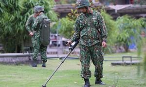 [Video] Công binh rà mìn tại Ba Đình trước giờ đón Tổng thống Mỹ