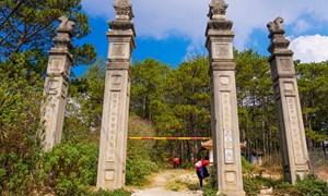 Lăng mộ bằng đá của cha Nam Phương hoàng hậu ở Đà Lạt