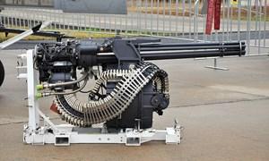 [Video] Kỹ sư Mỹ gắn pháo 6 nòng trên tiêm kích F-16 lên ô tô
