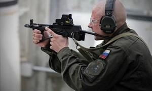 """Hình ảnh súng tiểu liên PP-2000 """"độc và lạ"""" của quân đội Nga"""