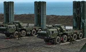 [Infographic] Uy lực hệ thống phòng thủ S-400, S-500 của Nga và Patriot - Mỹ