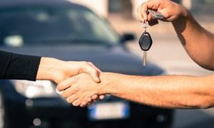 Mua xe giảm giá cuối năm, nên không?