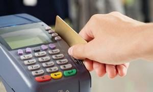 Người Mỹ dùng thẻ ATM nhiều gấp đôi thẻ tín dụng
