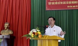 Bộ trưởng Đinh Tiến Dũng tiếp xúc cử tri tại huyện Kim Sơn - Ninh Bình