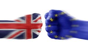 """""""Cuộc chiến"""" đàm phán Brexit: EU giành thắng lợi bước đầu"""