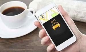 """Hà Nội """"siết"""" hoạt động của taxi công nghệ"""