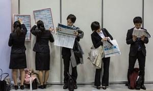 Nhật Bản và nghịch lý thừa việc, thiếu người