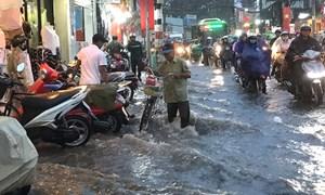 Tại sao nên mua nhà Sài Gòn... vào mùa ngập lụt?