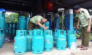 Nhiều địa phương tăng cường kiểm tra việc chiết nạp gas lậu