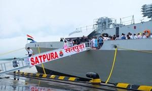 Cận cảnh tàu Hải quân Ấn Độ INS Satpura cập cảng Việt Nam