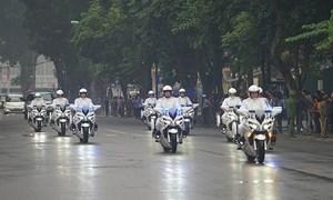 [Video] Dàn môtô 'khủng' của CSGT Việt Nam hộ tống Tổng thống Mỹ