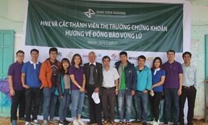 HNX cùng các công ty chứng khoán chung tay ủng hộ đồng bào vùng lũ miền Trung