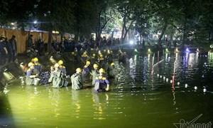 [Video] 200 công nhân nạo vét Hồ Gươm xuyên đêm