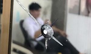 [Video] 3 phút của kẻ nã đạn cướp ngân hàng ở Đăk Lăk