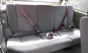 Ngồi ghế sau ô tô không thắt dây an toàn sẽ bị phạt từ 1/1/2018