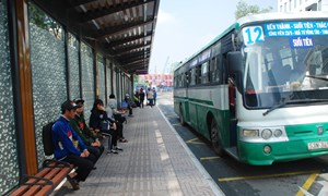 [Video] Trạm xe buýt hiện đại 8,5 tỷ đồng ở Sài Gòn