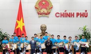 [Video] U23 Việt Nam được chào đón nồng nhiệt tại trụ sở Chính phủ ra sao?